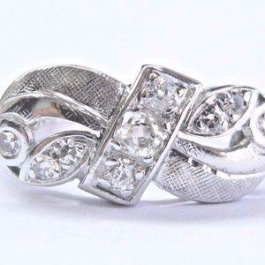 18Kt Vintage Old Mine Cut Diamond White Gold Bow S